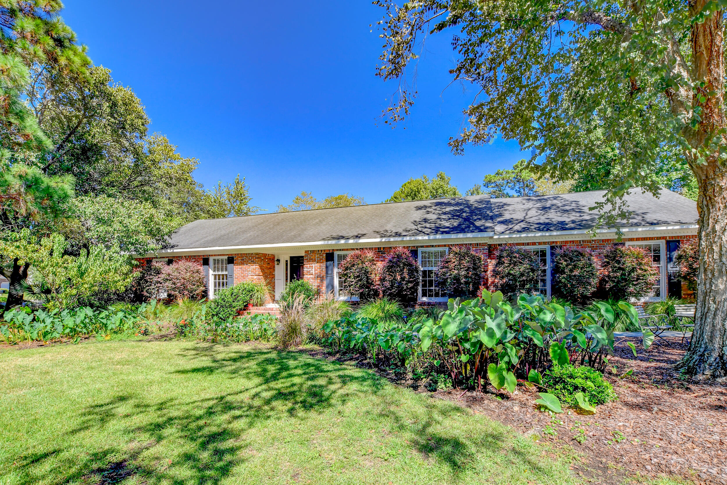 Snee Farm Homes For Sale - 955 Law, Mount Pleasant, SC - 19