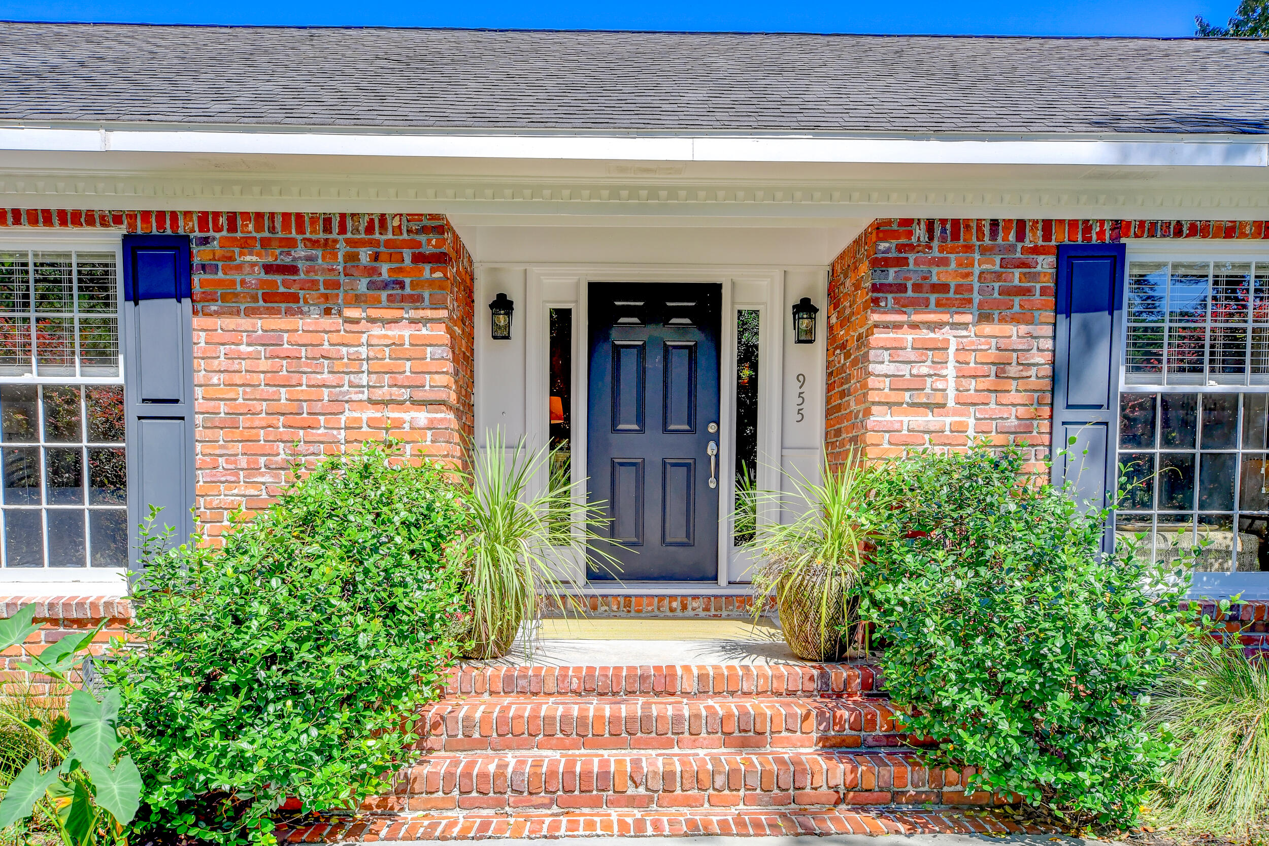 Snee Farm Homes For Sale - 955 Law, Mount Pleasant, SC - 11