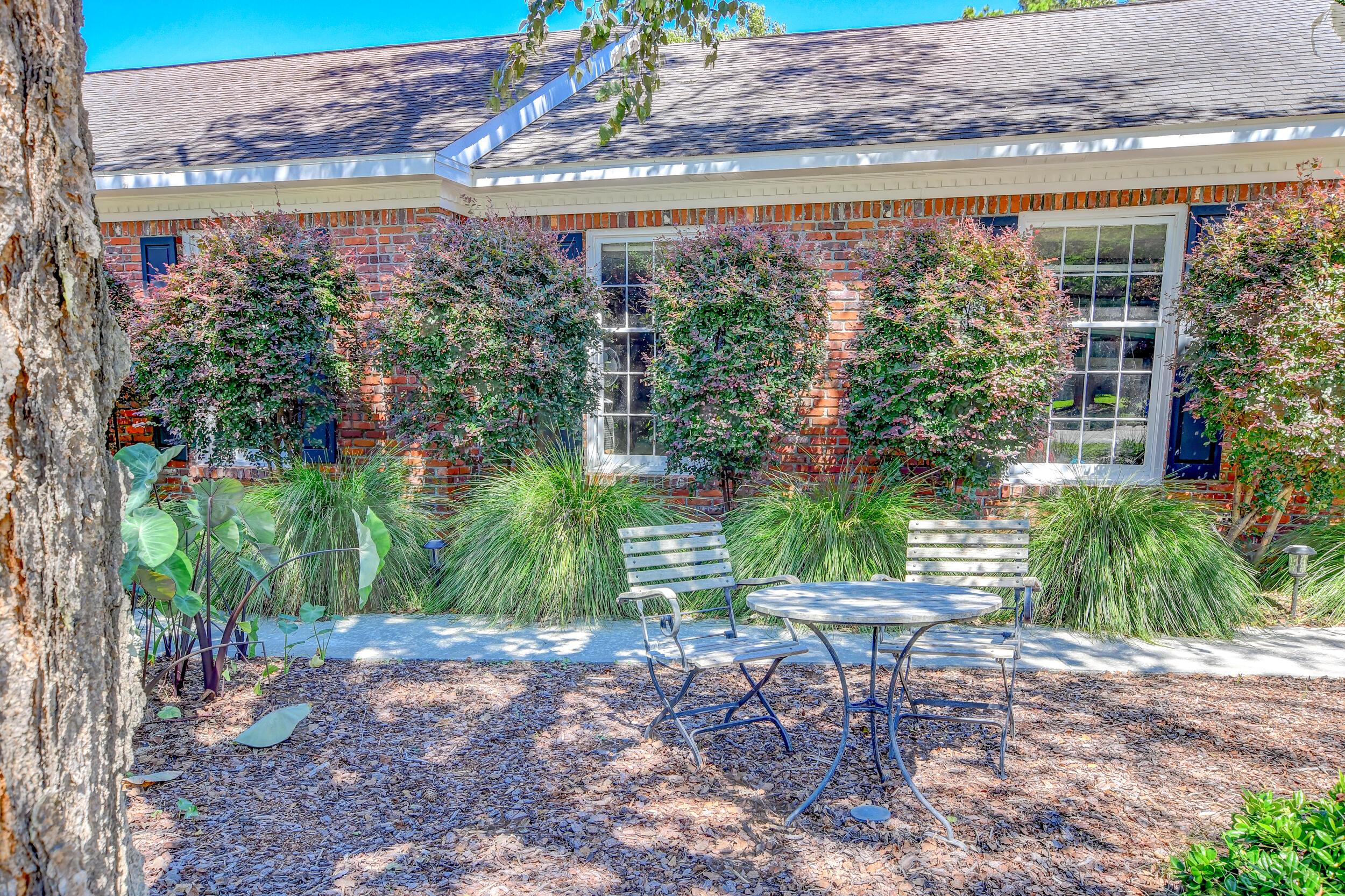 Snee Farm Homes For Sale - 955 Law, Mount Pleasant, SC - 2