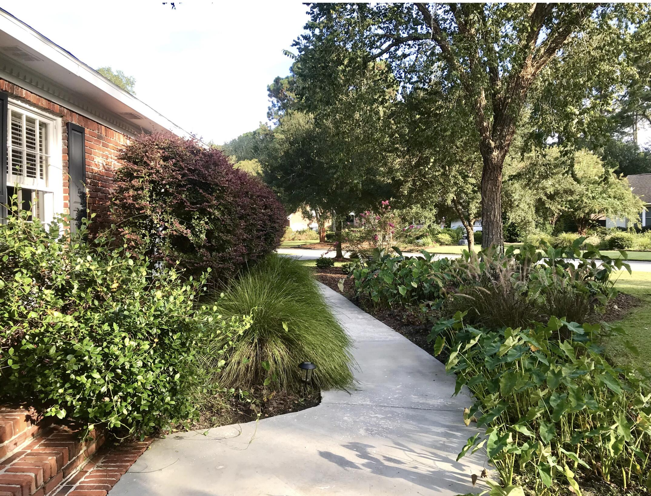 Snee Farm Homes For Sale - 955 Law, Mount Pleasant, SC - 1