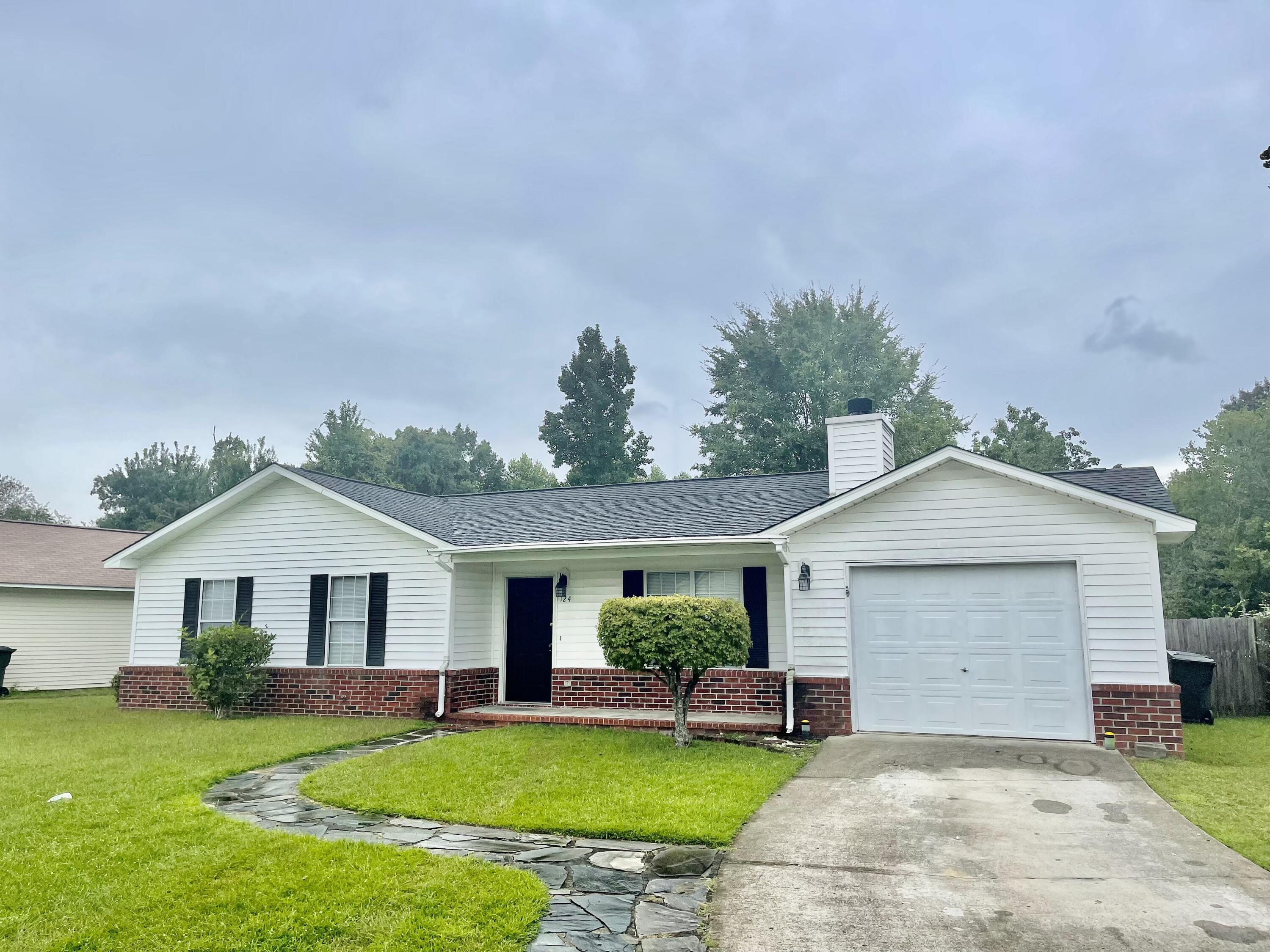 124 Two Hitch Road Goose Creek, SC 29445