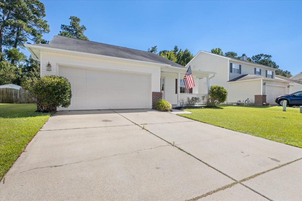 82 Creek Bend Drive Summerville, SC 29485