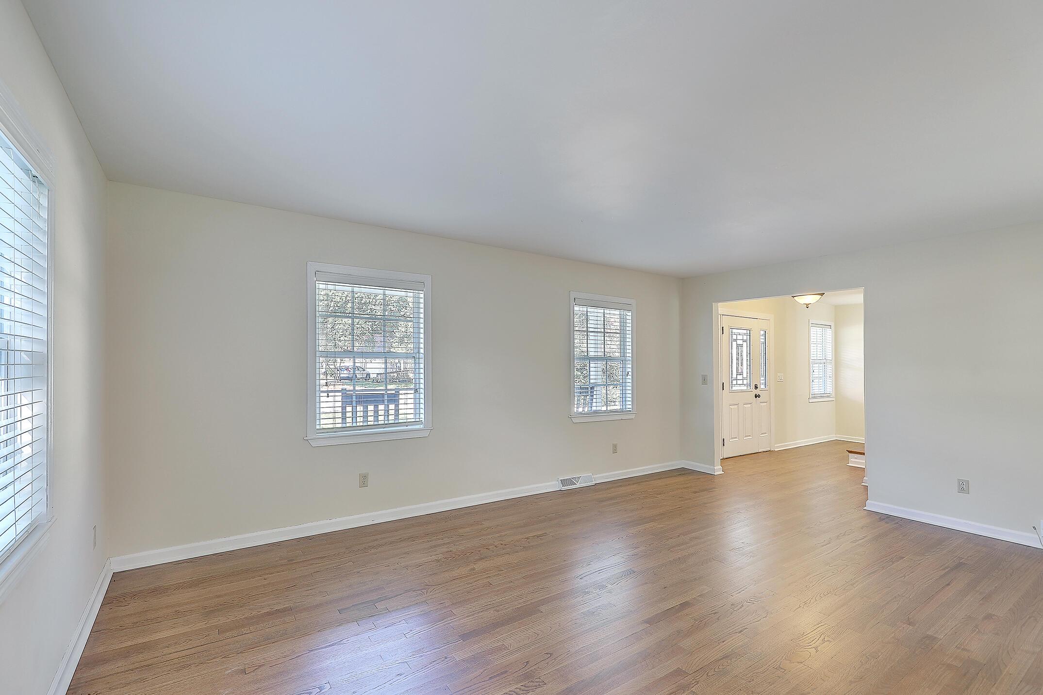 Cooper Estates Homes For Sale - 901 Searle, Mount Pleasant, SC - 1