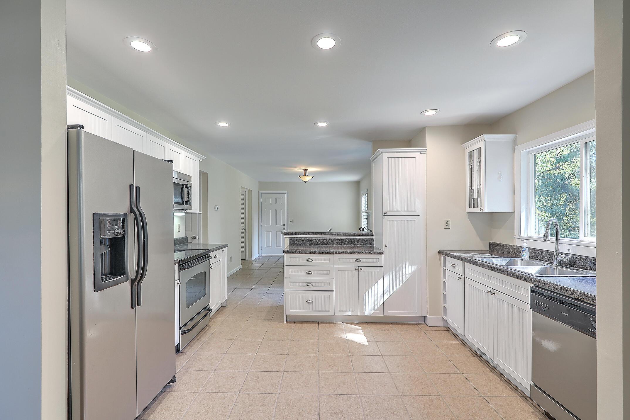 Cooper Estates Homes For Sale - 901 Searle, Mount Pleasant, SC - 29