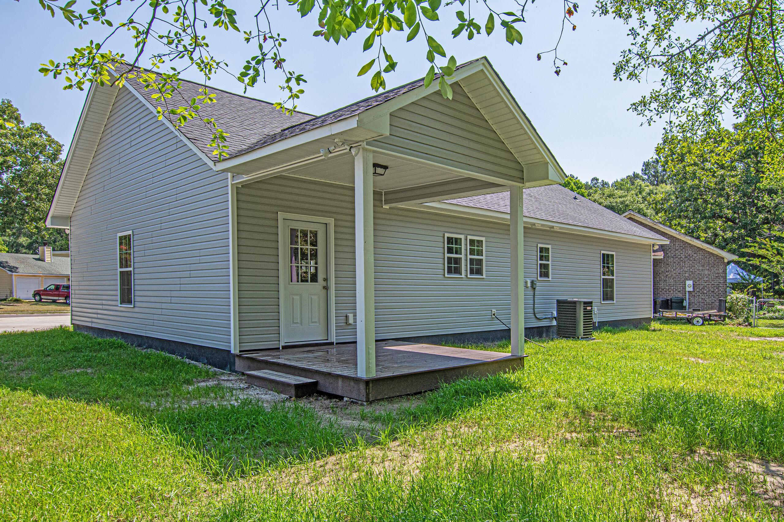 255 S Railroad Avenue Ridgeville, SC 29472