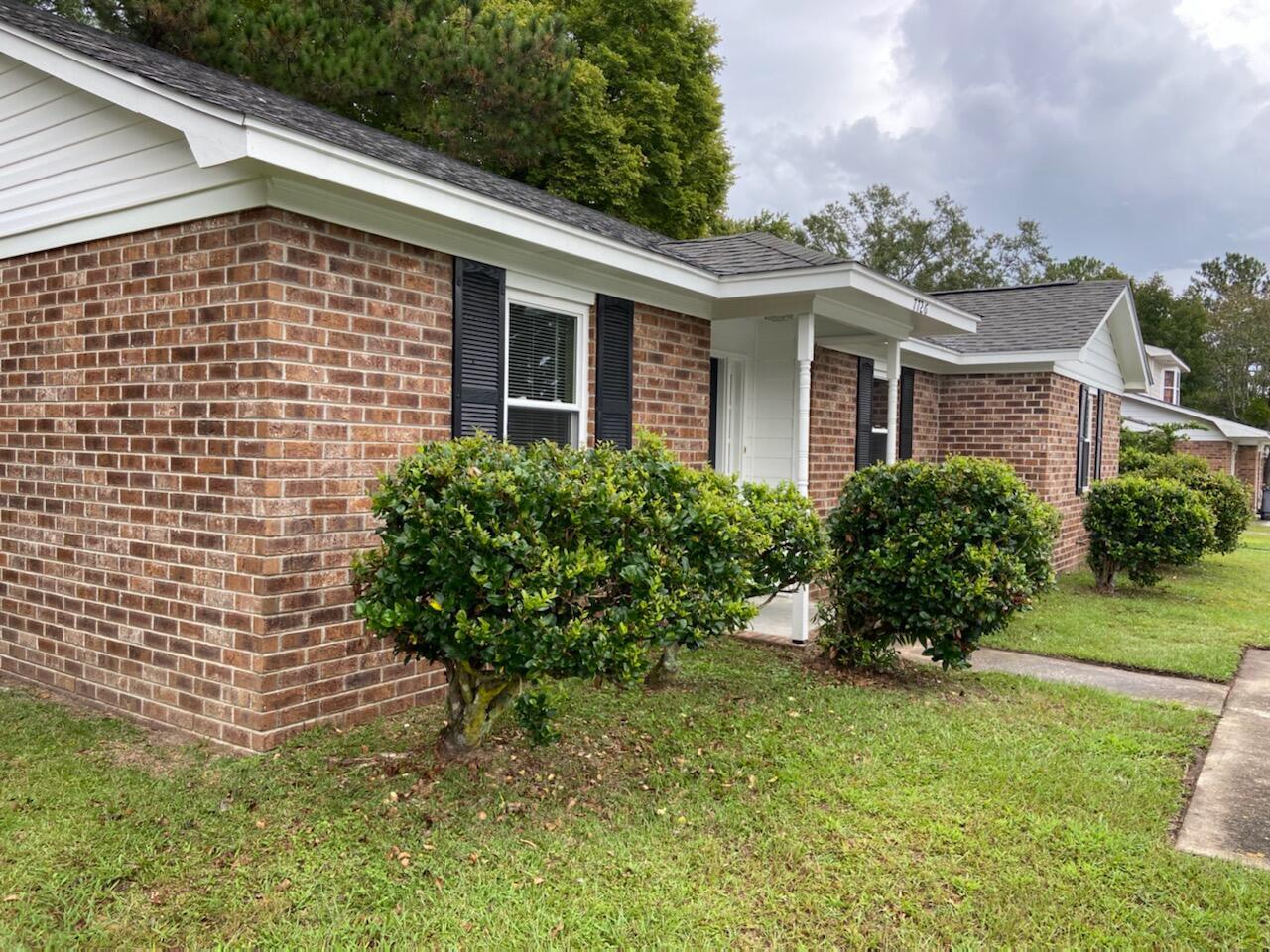 7726 Oldridge Road North Charleston, SC 29418