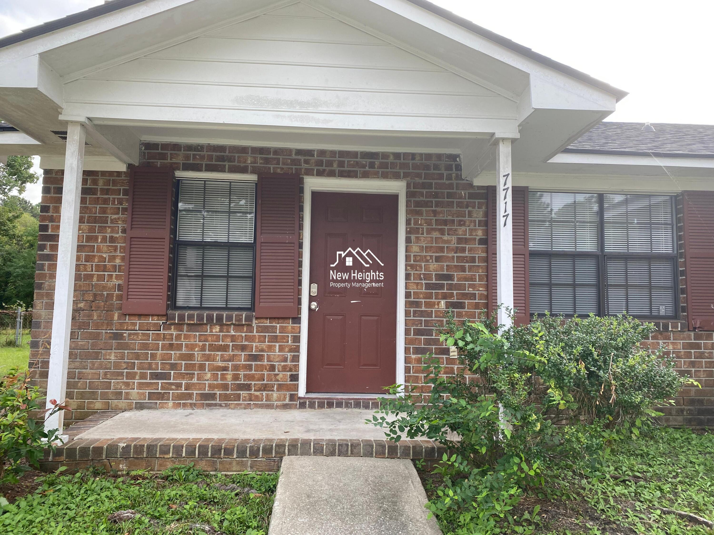 7717 Suzanne Drive North Charleston, SC 29418