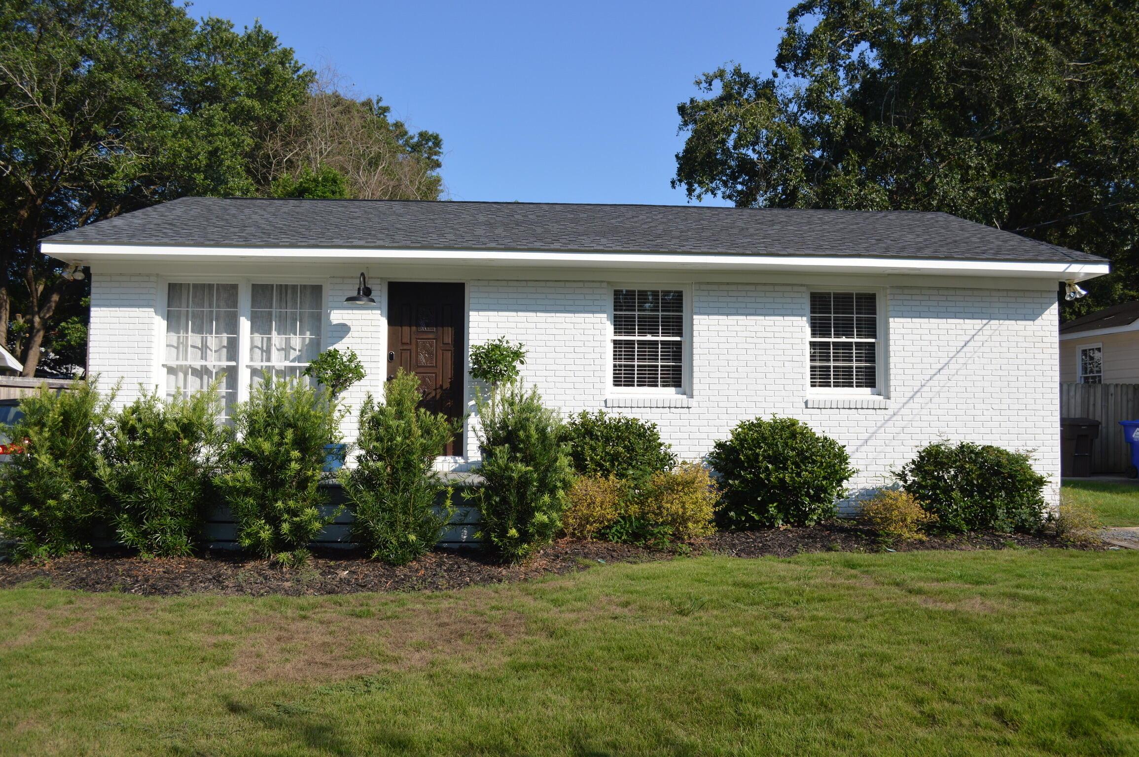 833 Armsway Street Mount Pleasant, SC 29464