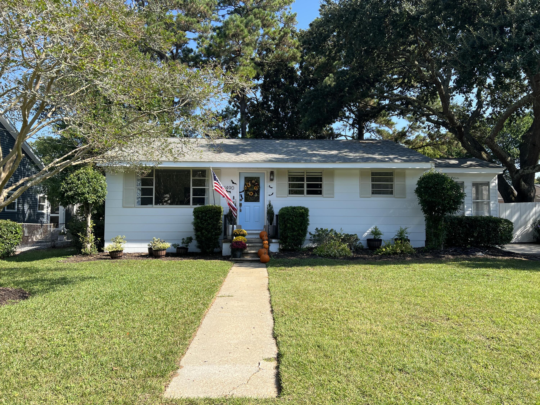 1490 Hindman Avenue Mount Pleasant, SC 29464