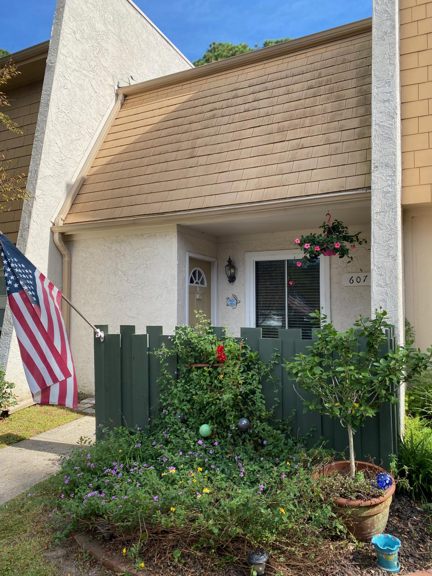 607 Ventura Place Mount Pleasant, SC 29464