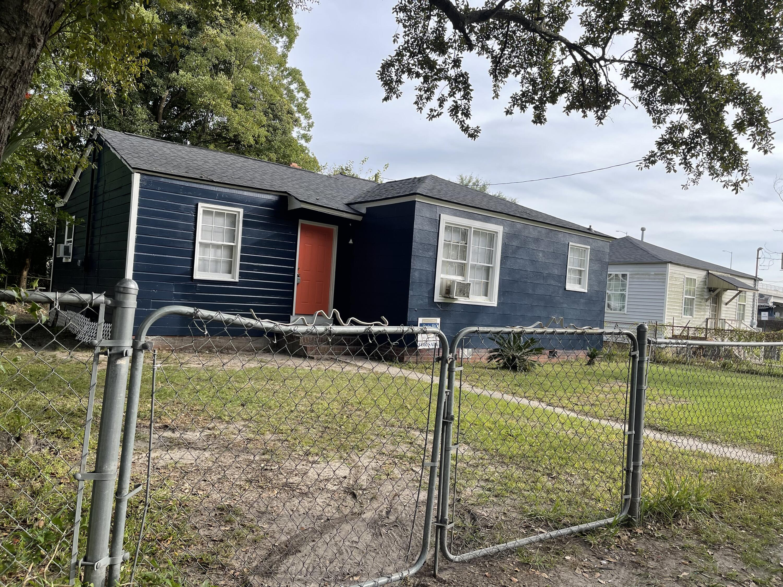 2129 Captain Avenue North Charleston, SC 29405