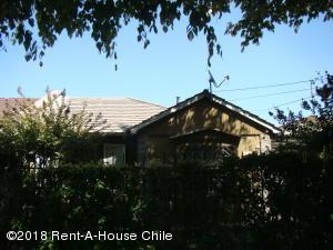 Casa En Ventaen Santiago, La Reina, Chile, CL RAH: 18-29