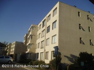 Departamento En Arriendoen Santiago, Huechuraba, Chile, CL RAH: 18-33