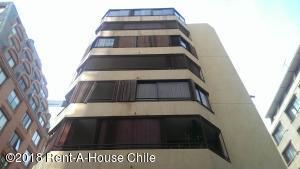 Departamento En Arriendoen Santiago, Las Condes, Chile, CL RAH: 18-52