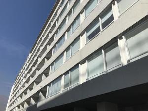 Departamento En Arriendoen Santiago, Las Condes, Chile, CL RAH: 18-62