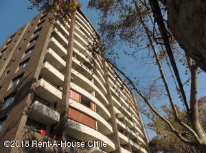 Departamento En Arriendoen Santiago, Providencia, Chile, CL RAH: 18-63
