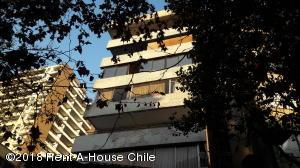 Departamento En Arriendoen Santiago, Providencia, Chile, CL RAH: 18-79
