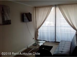 Departamento En Arriendoen Santiago, Santiago Centro, Chile, CL RAH: 18-108
