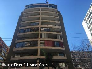 Departamento En Arriendoen Santiago, Las Condes, Chile, CL RAH: 18-109