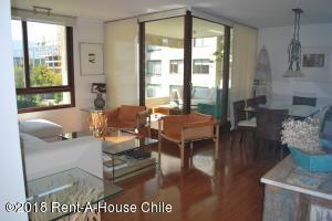 Departamento En Arriendoen Santiago, Vitacura, Chile, CL RAH: 18-116