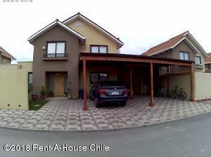 Casa En Ventaen Santiago, Maipu, Chile, CL RAH: 18-126
