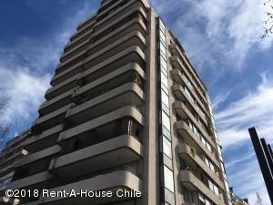 Departamento En Arriendoen Santiago, Las Condes, Chile, CL RAH: 18-128