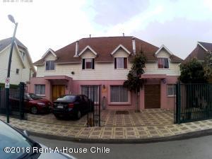 Casa En Ventaen Santiago, La Florida, Chile, CL RAH: 18-130