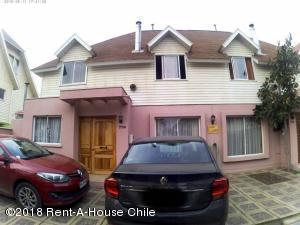 Casa En Ventaen Santiago, La Florida, Chile, CL RAH: 18-131