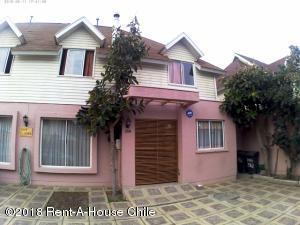 Casa En Ventaen Santiago, La Florida, Chile, CL RAH: 18-132