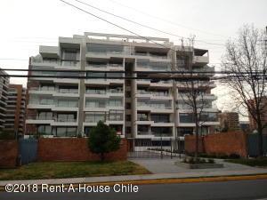 Departamento En Ventaen Santiago, Las Condes, Chile, CL RAH: 18-134