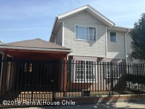 Casa En Ventaen Santiago, Maipu, Chile, CL RAH: 18-137