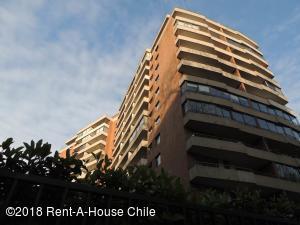 Departamento En Arriendoen Santiago, Providencia, Chile, CL RAH: 18-144