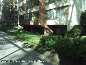 Departamento En Arriendoen Santiago, Providencia, Chile, CL RAH: 18-146