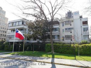 Departamento En Arriendoen Santiago, Las Condes, Chile, CL RAH: 18-147