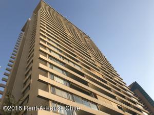 Departamento En Arriendoen Santiago, Las Condes, Chile, CL RAH: 18-151