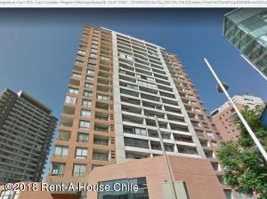 Departamento En Arriendoen Santiago, Las Condes, Chile, CL RAH: 18-157