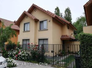 Casa En Ventaen Santiago, Peñalolen, Chile, CL RAH: 18-159