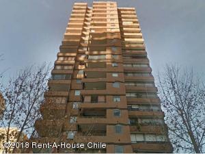 Departamento En Ventaen Santiago, Las Condes, Chile, CL RAH: 18-163