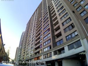 Departamento En Arriendoen Santiago, Santiago Centro, Chile, CL RAH: 18-168