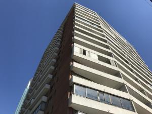 Departamento En Arriendoen Santiago, Las Condes, Chile, CL RAH: 19-13