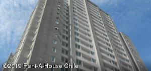 Departamento En Arriendoen Santiago, San Miguel, Chile, CL RAH: 19-14