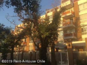 Departamento En Arriendoen Santiago, Nuñoa, Chile, CL RAH: 19-27