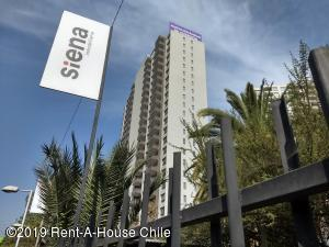 Departamento En Arriendoen Santiago, Macul, Chile, CL RAH: 19-46