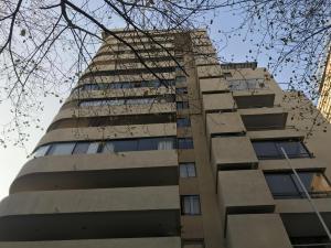 Departamento En Arriendoen Santiago, Las Condes, Chile, CL RAH: 19-50