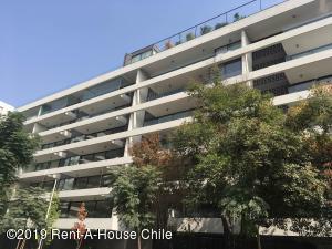 Departamento En Ventaen Santiago, Vitacura, Chile, CL RAH: 19-52