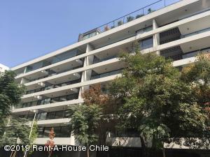 Departamento En Ventaen Santiago, Vitacura, Chile, CL RAH: 19-53