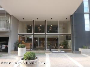 Departamento En Arriendoen Santiago, Macul, Chile, CL RAH: 19-75