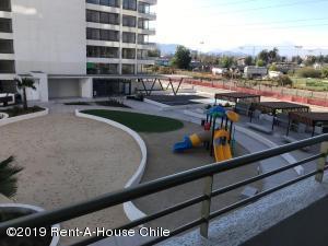 Departamento En Arriendoen Santiago, Macul, Chile, CL RAH: 19-106