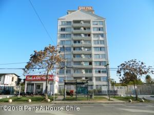Departamento En Arriendoen Santiago, La Cisterna, Chile, CL RAH: 19-110