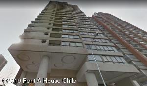 Departamento En Arriendoen Santiago, Santiago Centro, Chile, CL RAH: 19-113